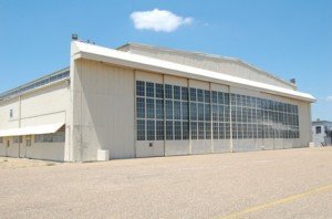 ea_hangar_glass_13448879651